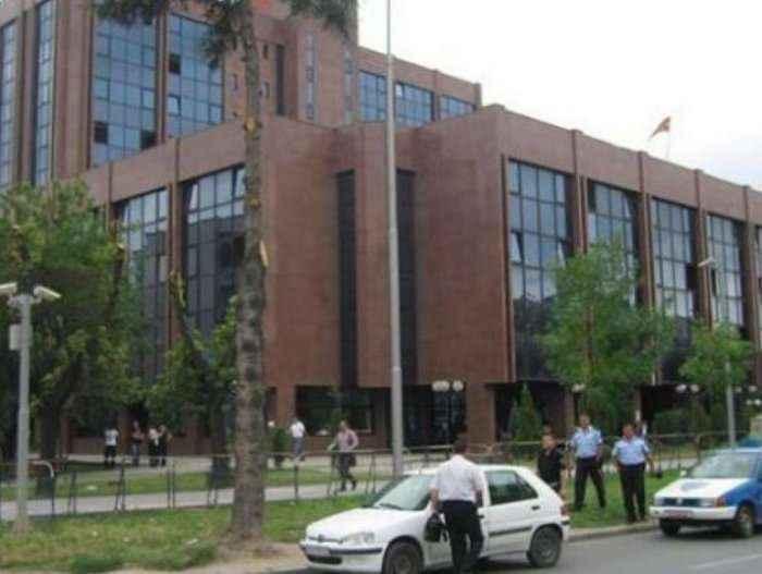 Arrestohen 5 kosovarë në Shkup gjatë gjykimit të grupit të Kumanovës?!