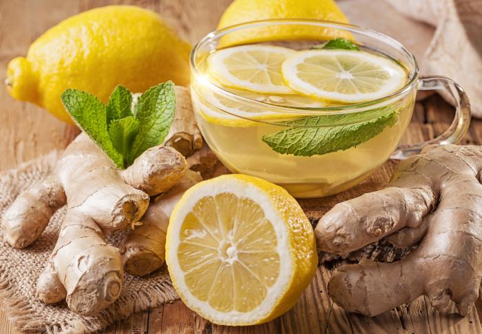 Bëjeni vetë ujin dietal: I përsosur për stomak të rrafshët