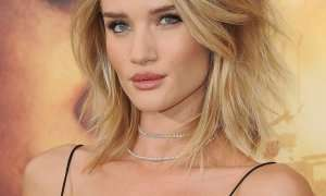 Rosie Huntington-Whiteley me sy si të maces
