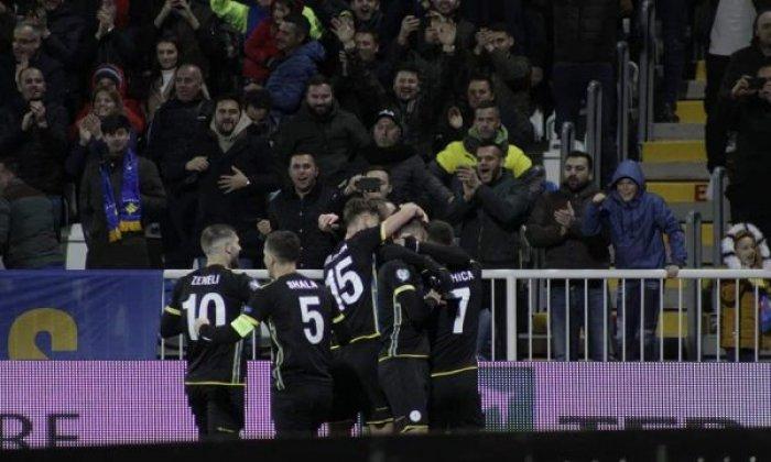Kapiteni i Kosovës i kundërpërgjigjet trajnerit të Danimarkës: Mos u nisni për stërvitje!